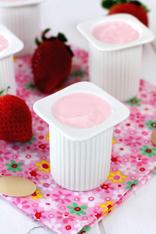 Como hacer Petit Suisse caseros de fresa - Receta de yogur casero