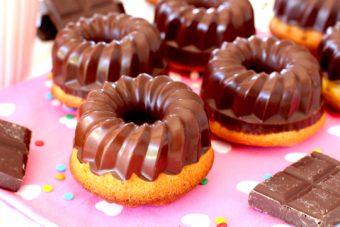 Receta de mini bundt cakes de vainilla y chocolate - Como hacer bundt cakes