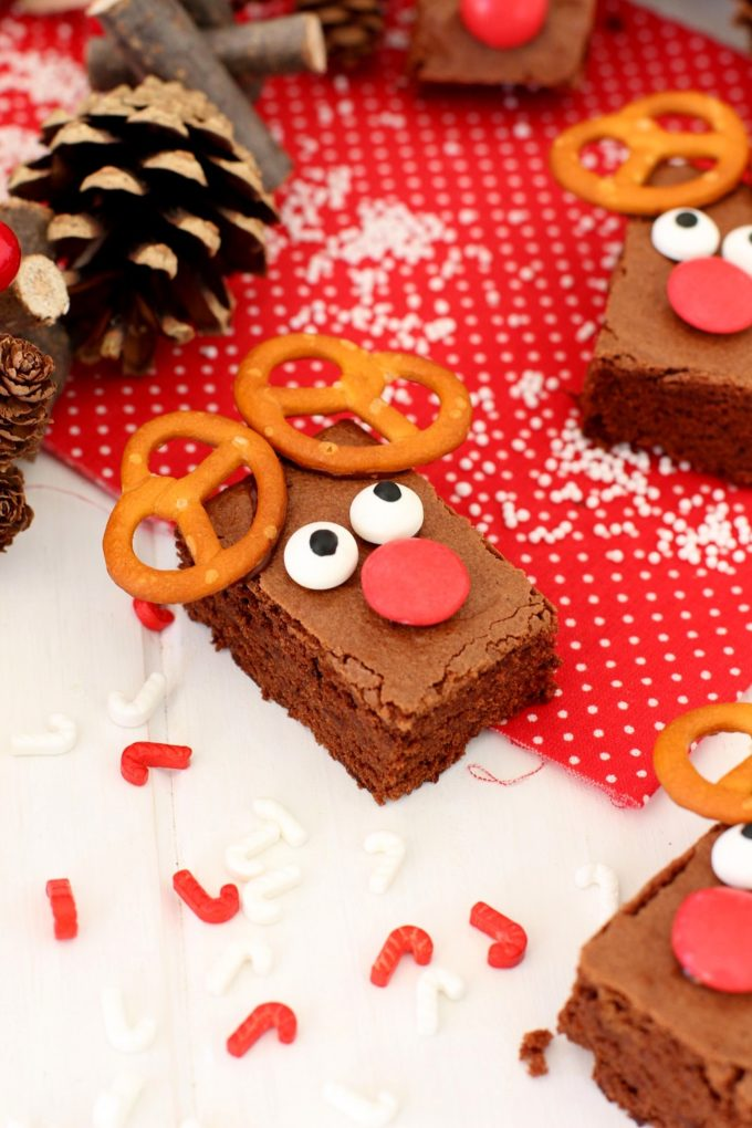 Foto de la receta de Brownie de chocolate en forma de reno de navidad