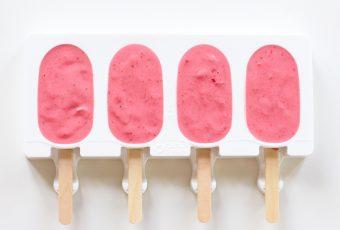 Foto de la receta de helado de fresa y yogur griego