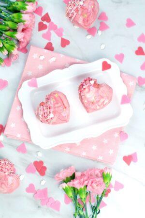 Cómo hacer bizcocho de vainilla con chocolate para San valentín relleno de crema de avellanas