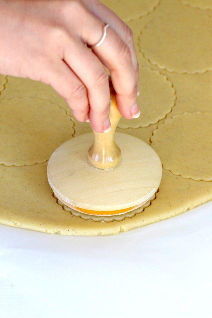 Foto de la Masa de galletas de mantequilla con un cuño