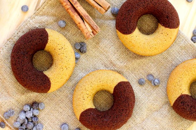 Foto de la receta de donuts de chocolate y calabaza