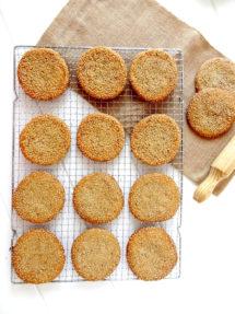 Foto de la receta de galletas de sésamo y miel