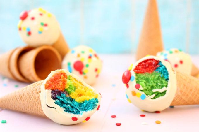 Foto de receta de cake pops en forma de helado
