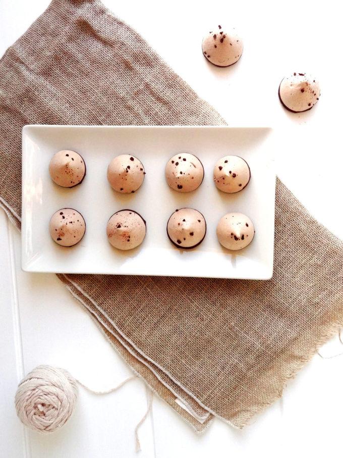 Foto de la receta de suspiros o merengues con chocolate