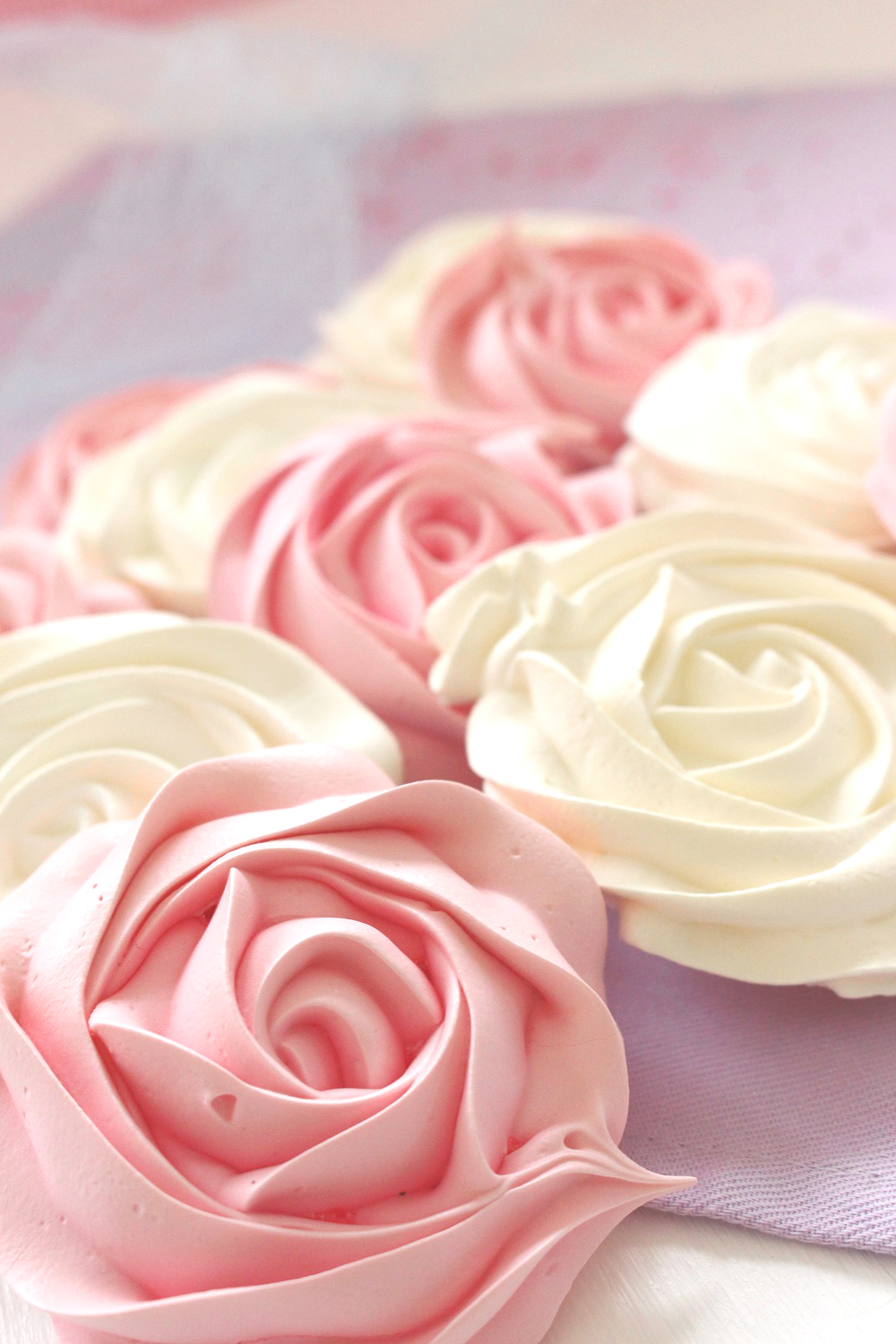 Rosas de merengue duro recetas f ciles con merengue for Rosas de decoracion