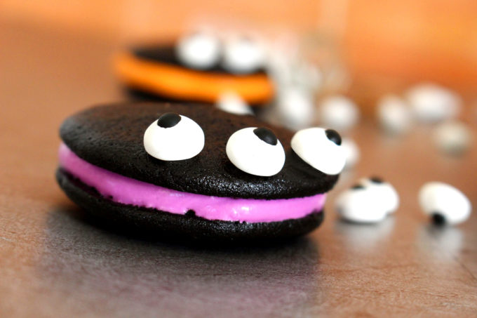 Foto de la receta de whoopie monsters Halloween