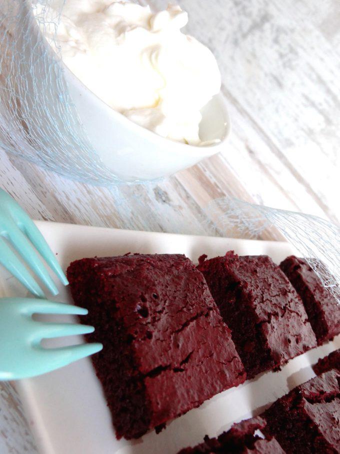 Foto de la receta de brownies red velvet de chocolate