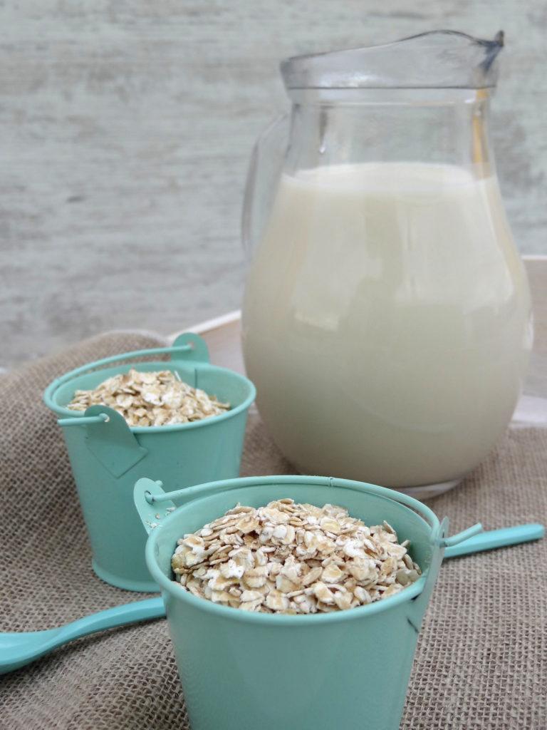 Foto de la receta de leche de avena casera