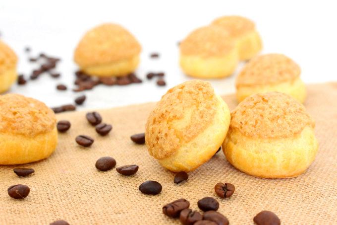 Foto de la receta de profiterol craquelín con relleno de café