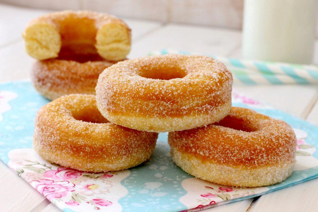Foto de la receta de donas caseras con azúcar