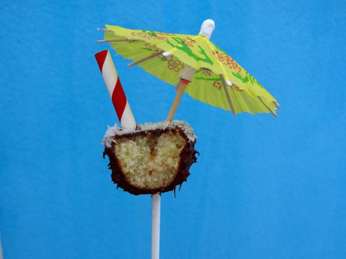 Foto de la receta de cake pops de chocolate con coco