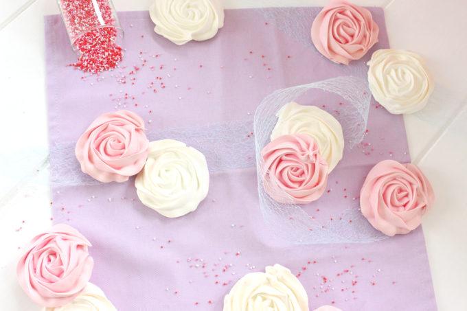 Foto de la receta de rosas de merengue duro