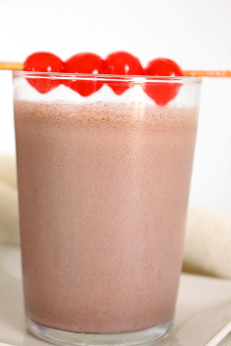 Foto de la receta de batido de chocolate selva negra