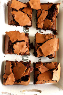 Foto de la receta de brownie de chocolate, moca y nueces