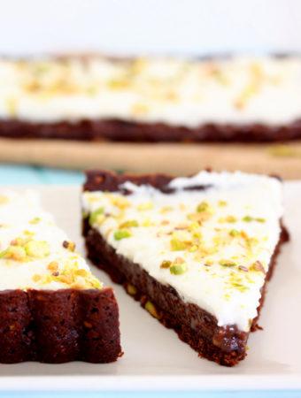 Foto de la receta de tarta de chocolate y pistachos