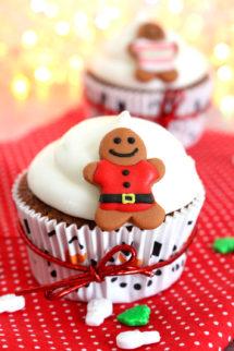 Foto de la receta de cupcakes navideños de jengibre