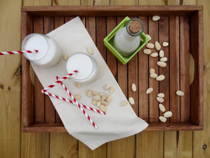 Foto de la receta de leche de almendras casera