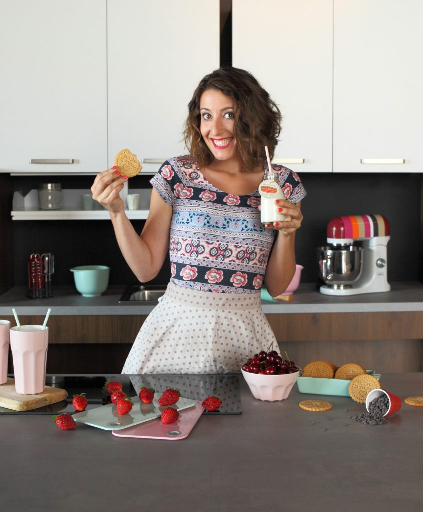 Foto de Lolita la pastelera posando