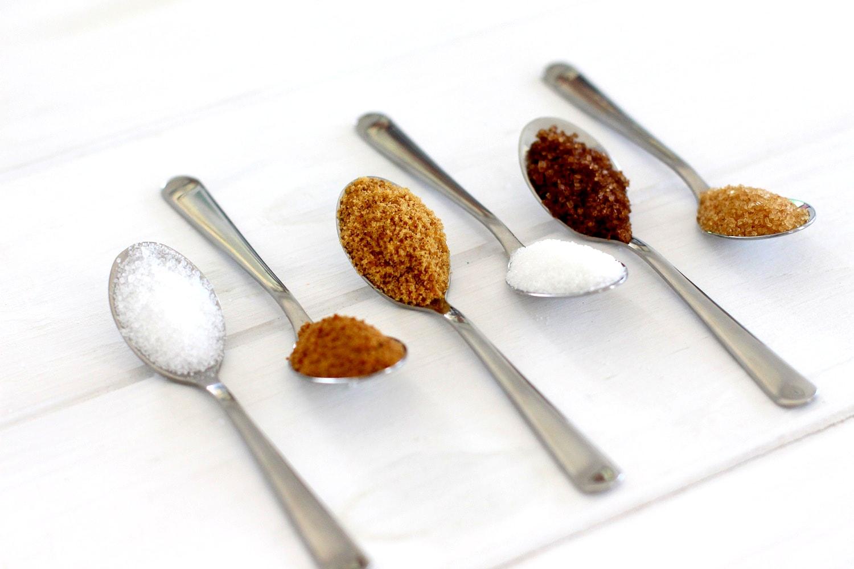 Foto que muestra los diferentes tipos de azúcares que existen
