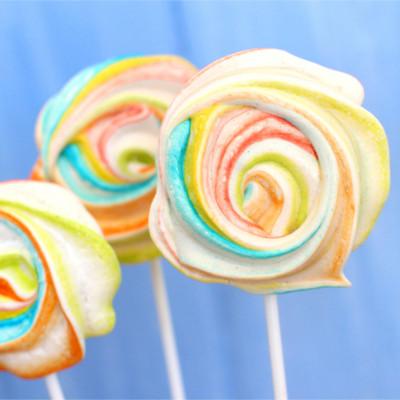 Foto de la receta de rosas de merengue de colores